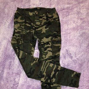 Forever 21 Camo pants with pockets